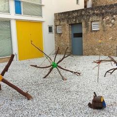 Distance installation Estrellas de Mirò - El árbol de Mirò 2