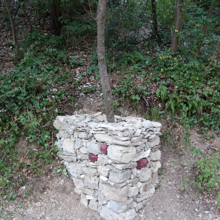 Monument to the Wild Strawberry front view