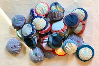 30 stones made of cloth